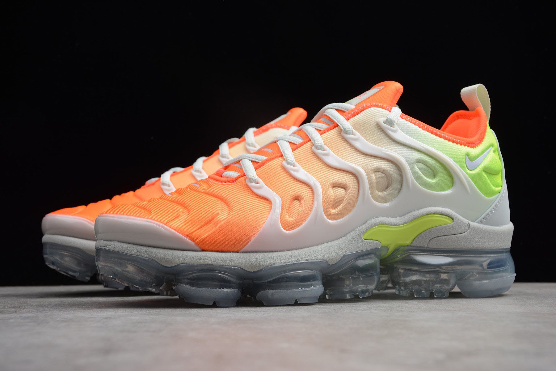 the latest f974c fd9eb Nike Air VaporMax Plus Reverse Sunset Barely Grey/Total ...